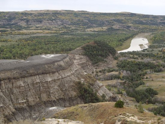 Watford City, ND: Badlands and Little Missouri River, from River Bend Overlook