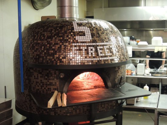 Perrysburg, OH: wood fired oven