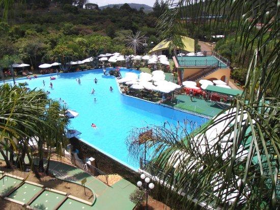 Oliveira: Vista da piscina de ondas
