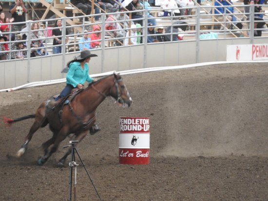Pendleton, Орегон: Barrel Racing