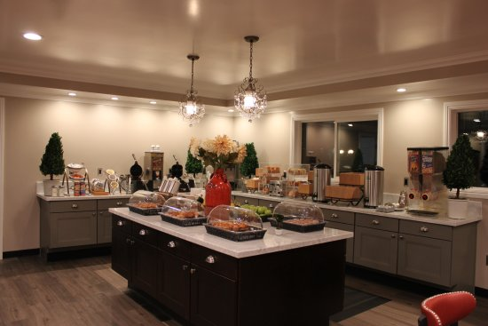 Santa Maria, CA: Enjoy our expanded Deluxe Continental Breakfast - FREE!