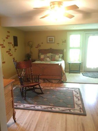 Park Falls, WI: Maid's Quarters Guest Room
