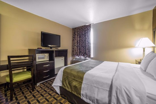 Quality Inn Zion Park Area: one queen bed