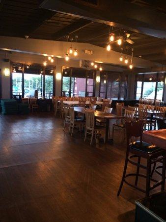 Saint Clair Shores, MI: Upstairs Space with Bar and Patio