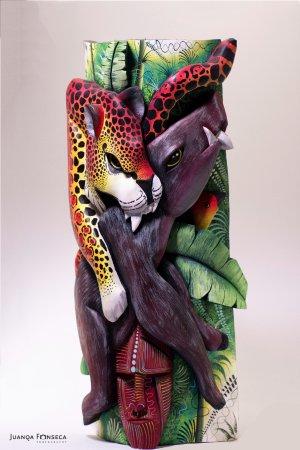 Souvenir Museum: Máscaras hechas a mano con madera de Balsa. Unos detalles increíbles.