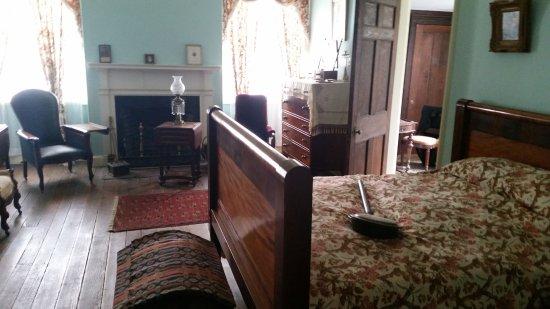 Arlington House - The Robert E. Lee Memorial: Upstairs bedroom