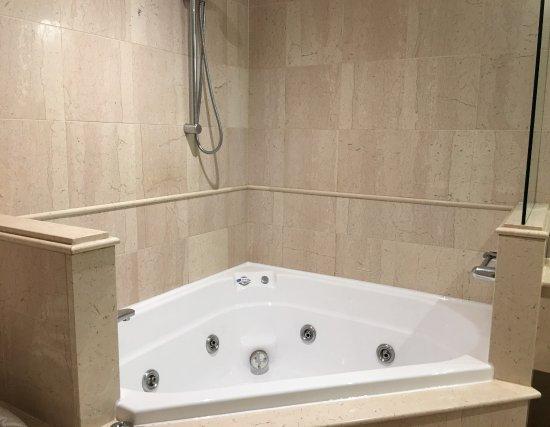 St Kilda, Australia: Spa Bathroom