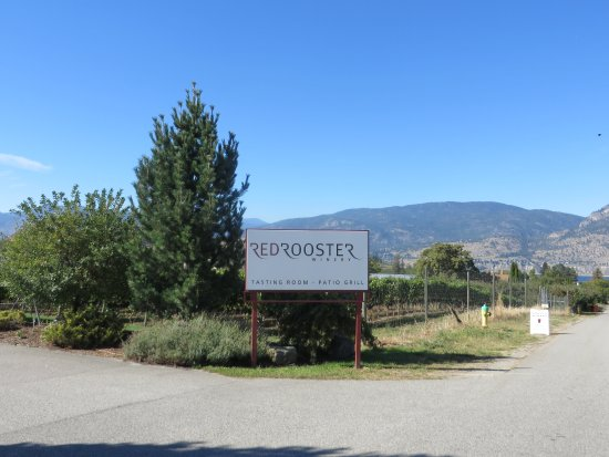 Penticton, Canadá: Entrance sign of the road.