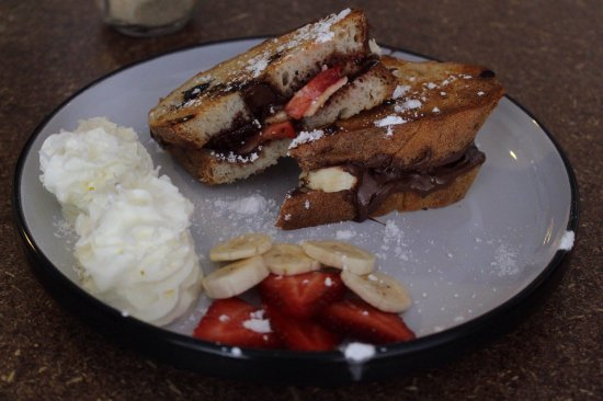 Pimpama, Australia: The Sweet Thang, tasty sourdough with nutella, strawberries + banana