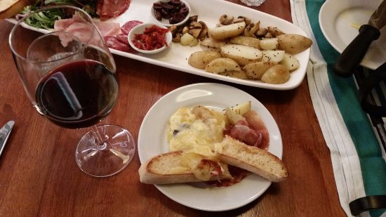 Woodpeckers: The raclette platter for 2