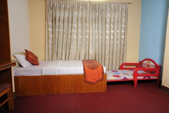 Acme Guest House: Baby Bed