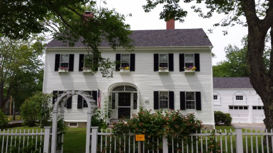 Castine, ME: Gracious home on Perkins Street