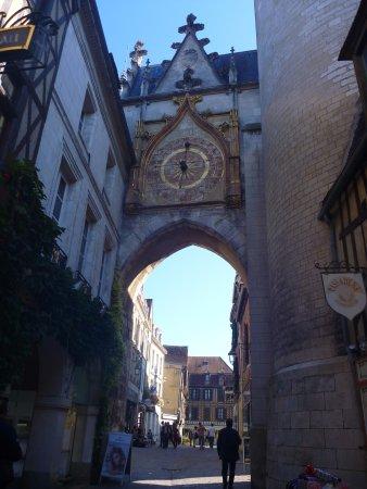 Ury, Γαλλία: visitez Auxerre et faites le parcours Cadet Roussel