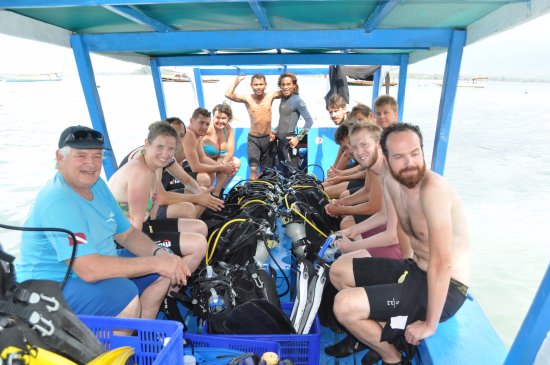 Gili Air, Indonezja: Peter on the boat retired to just relax and do more diving (left Front)