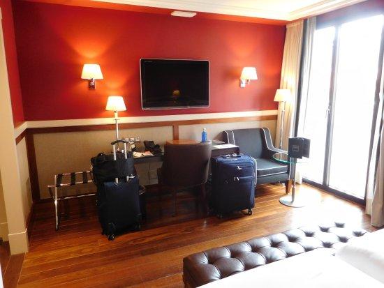 Hotel 1898: Upgraded Room