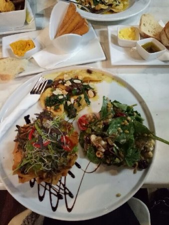 White Star Hotel Restaurant: photo1.jpg