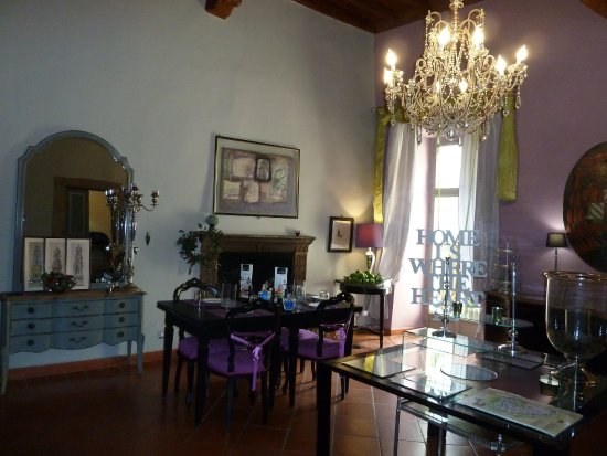 B&B Torre Di Vico - breakfast room