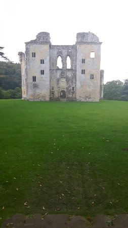 Tisbury, UK: I found it peaceful, scenic and great for a afternoon out and close to Stonehenge. Well worth a