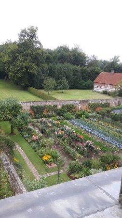 Alta Normandía, Francia: Blick in den Gemüsegarten vom Zimmer