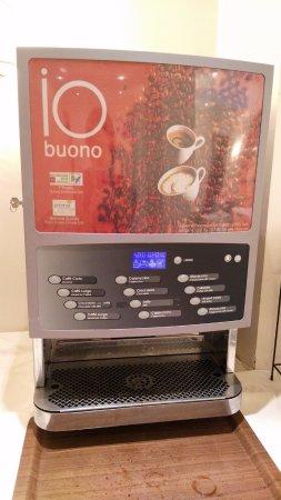 Hotel Luce: Coffee machine