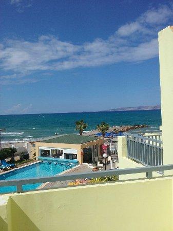 Comfort Blue Sky Beach
