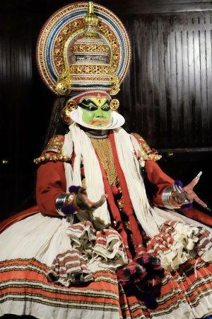 Old Harbour Hotel: kathakali dance