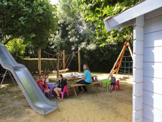 Camping Le Grand Jardin (Notre Dame de Monts, Vendée) - voir les ...