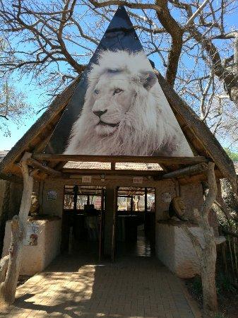 Hartbeespoort, جنوب أفريقيا: IMG_20160925_100456_BURST003_large.jpg