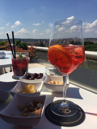 L\'aperitivo in terrazza - Foto di La Terrasse Cuisine & Lounge, Roma ...