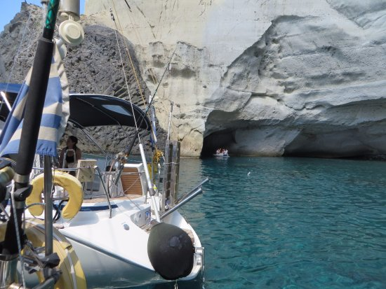 Adamas, Greece: Inflatable tours the caves