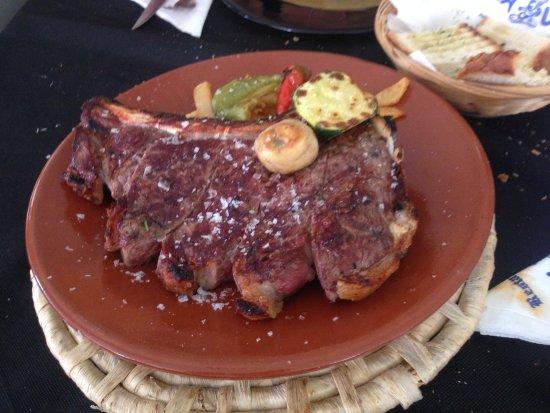 Almoradí, España: Chuleton de 500 gramos. Muy muy bueno.