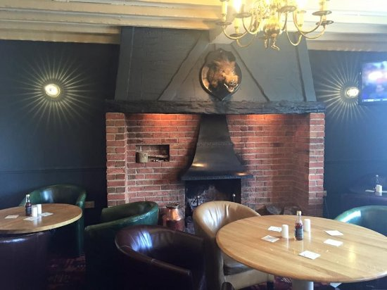 Draycott in the Clay, UK: Bar area