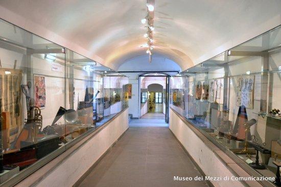 Arezzo, İtalya: MMC - Veduta corridoio d'ingresso