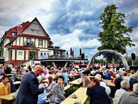 Wildau, Alemania: Villa am See - Klubhaus & Hafen (20 Jahre WiWo)