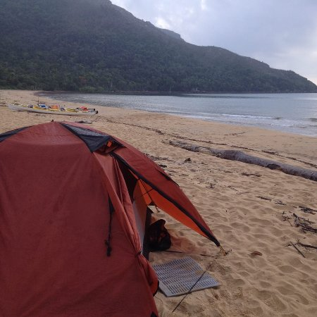 Mission Beach, Australië: Our first camp site on Hinchinbrook Island