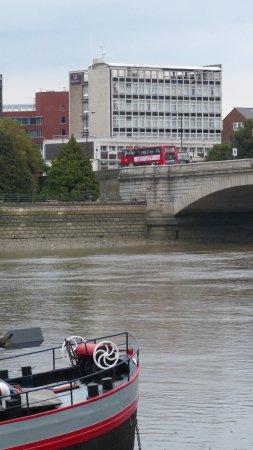Premier Inn London Putney Bridge Hotel: View of Hotel from across the River Thames