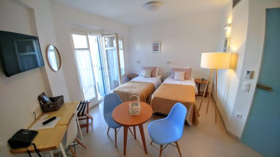 Andros Town, กรีซ: Deluxe Twins Apartment