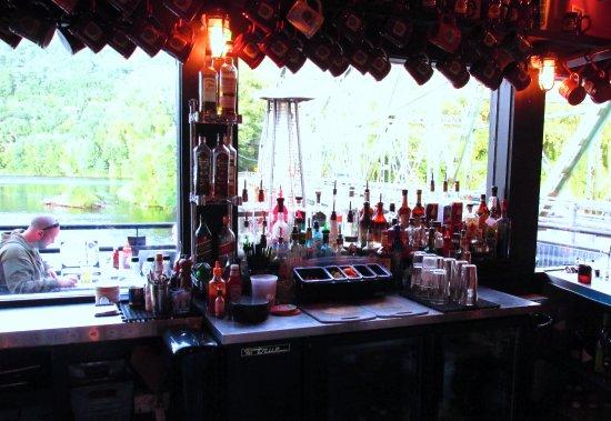 Μπράτλμπορο, Βερμόντ: Bar