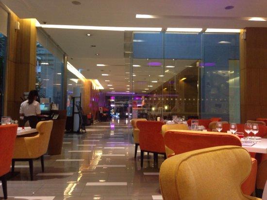 Four Points By Sheraton Bangkok, Sukhumvit 15: photo0.jpg