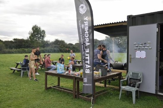 Keynsham, UK: BBQ on site
