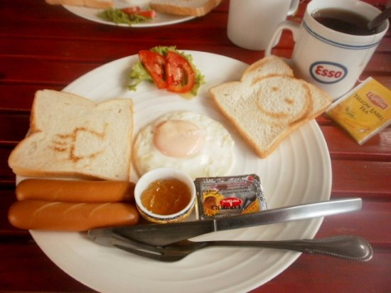 Khaosan Baan Thai: Petit déjeuner continental 15 THB