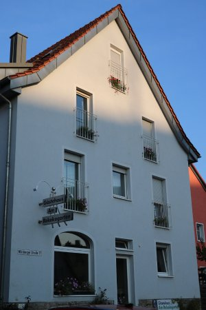 Veitshochheim, Alemania: Haus mit Fenster Speisesaal u. Türe Fluchtweg