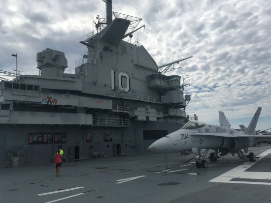 Mount Pleasant, Carolina del Sur: On top of the aircraft carrier