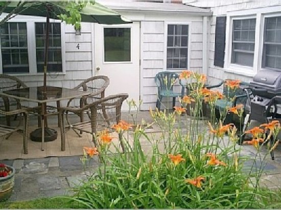 Southold, NY: Private Patio of one of the cottages