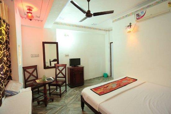 Hotel Janak Niwas Photo
