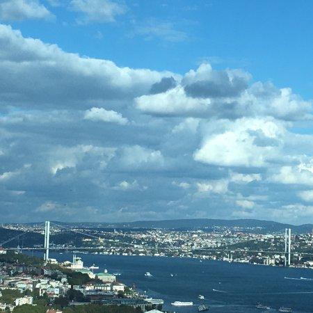 The Marmara Taksim: İstanbul'un en müthiş manzaralı otellerinin başında gelir. Romantik bir tatil için mutlaka tavsi