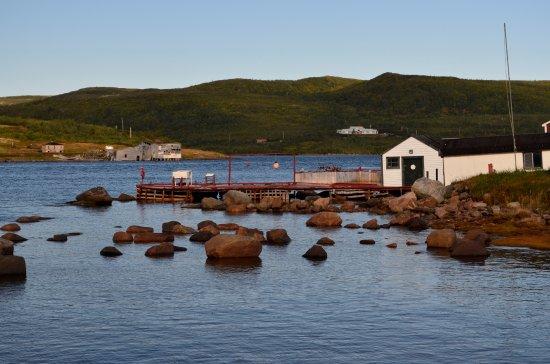 Red Bay, Canada : Rocky Shoreline