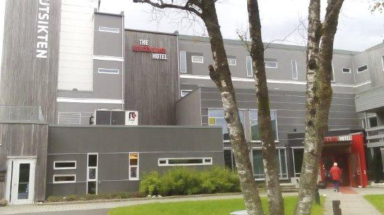 Utsikten Hotell: The entrance side