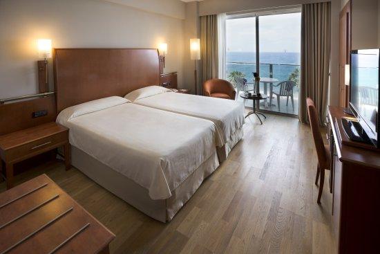 Reina Isabel Hotel: Double room sea view