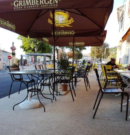 Banon, Франция: terrasse de 50 places